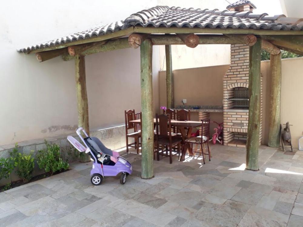 Comprar Casa / Padrão em São José do Rio Preto R$ 890.000,00 - Foto 3