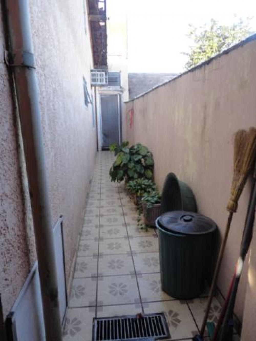 Comprar Casa / Padrão em São José do Rio Preto R$ 200.000,00 - Foto 4