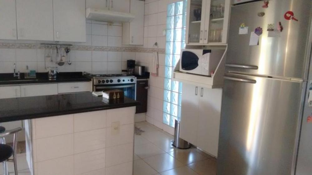 Comprar Casa / Padrão em São José do Rio Preto R$ 700.000,00 - Foto 3
