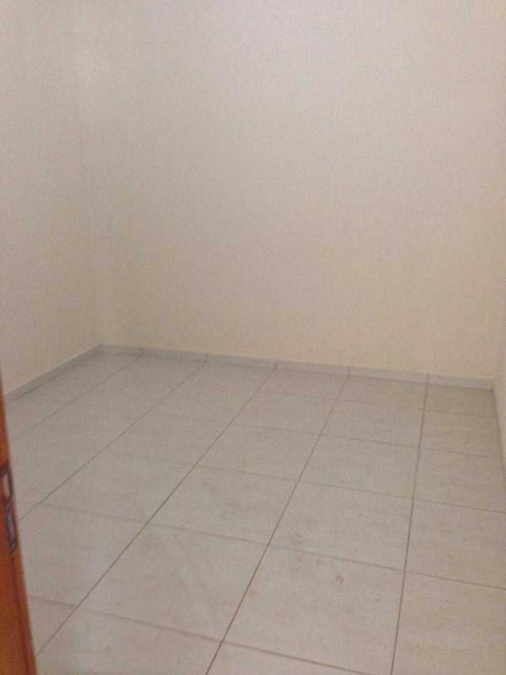 Comprar Casa / Padrão em São José do Rio Preto R$ 220.000,00 - Foto 6