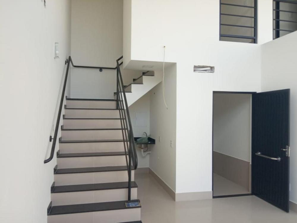 Alugar Comercial / Sala em São José do Rio Preto R$ 2.000,00 - Foto 1