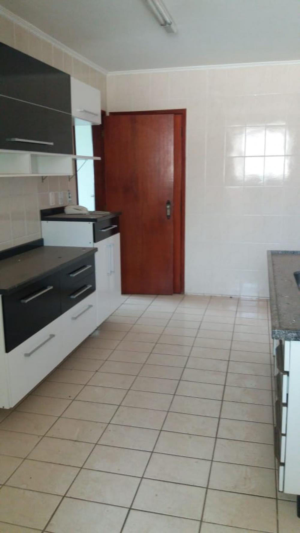 Comprar Apartamento / Padrão em São José do Rio Preto R$ 130.000,00 - Foto 1
