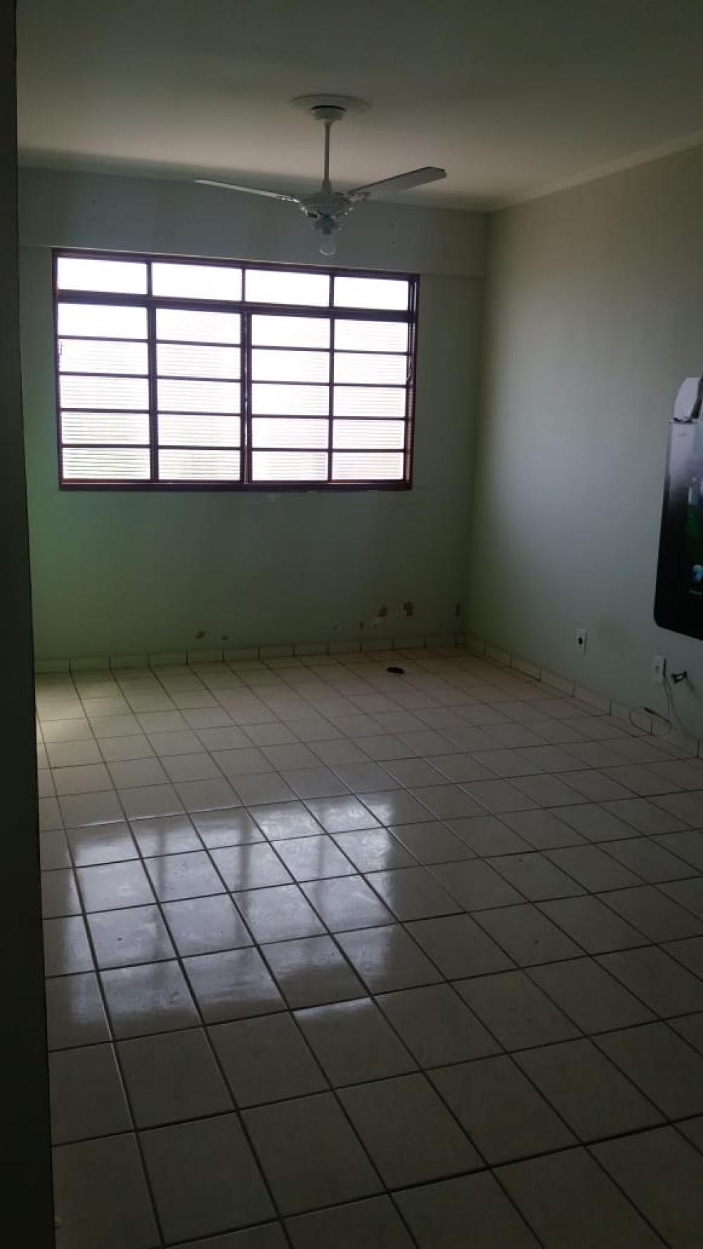 Comprar Apartamento / Padrão em São José do Rio Preto R$ 130.000,00 - Foto 3