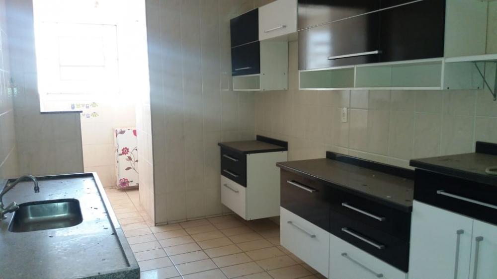 Comprar Apartamento / Padrão em São José do Rio Preto R$ 130.000,00 - Foto 2