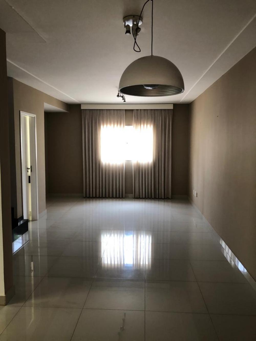 Alugar Casa / Condomínio em São José do Rio Preto R$ 2.100,00 - Foto 3