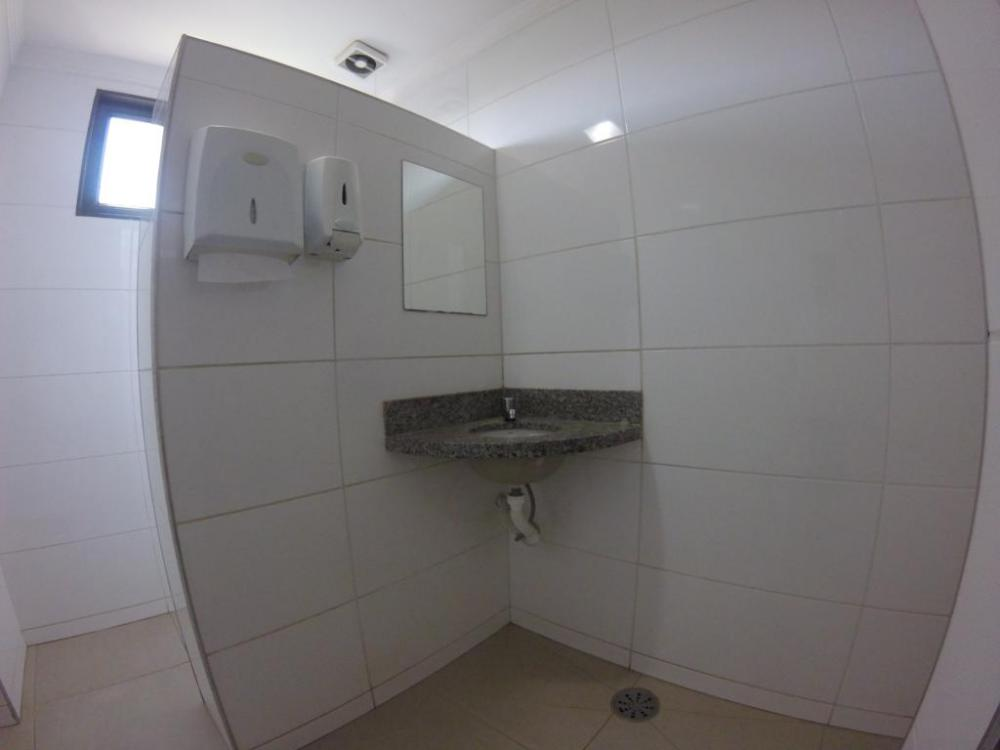 Alugar Comercial / Salão em São José do Rio Preto R$ 5.000,00 - Foto 6