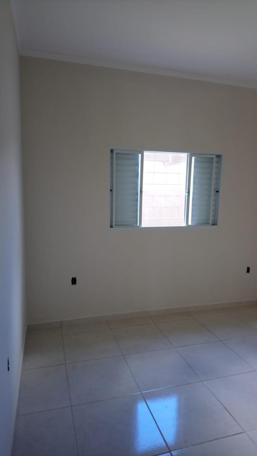Alugar Casa / Padrão em São José do Rio Preto R$ 600,00 - Foto 5