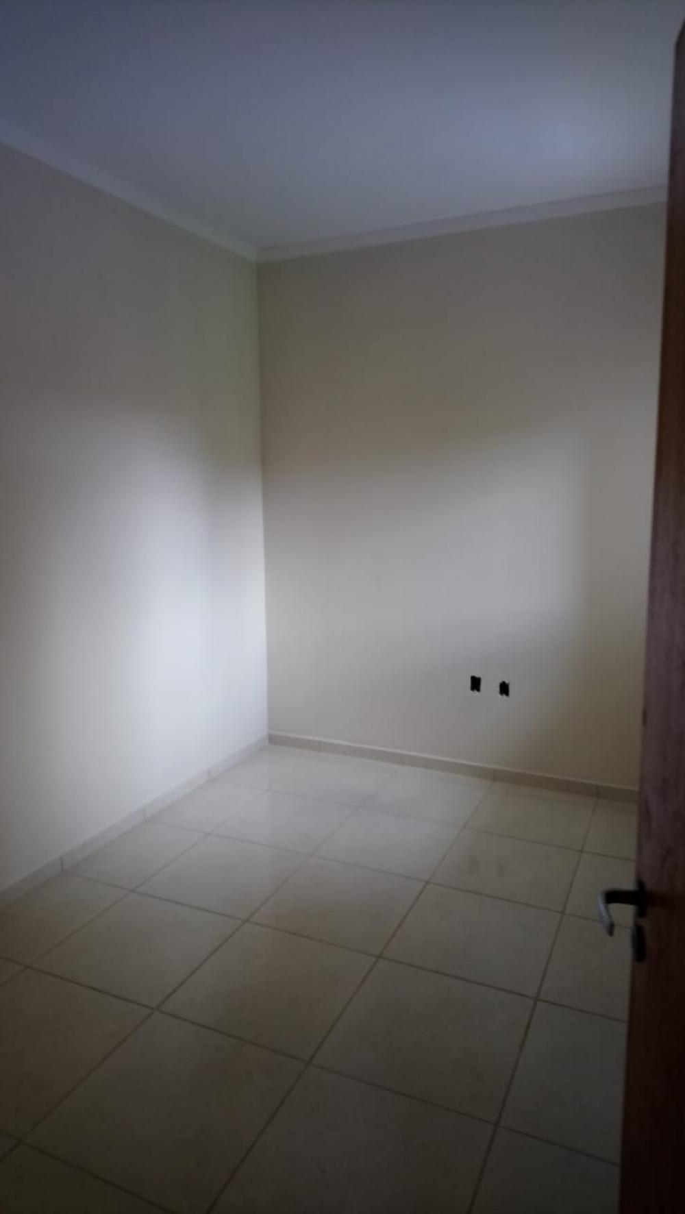 Alugar Casa / Padrão em São José do Rio Preto R$ 600,00 - Foto 11