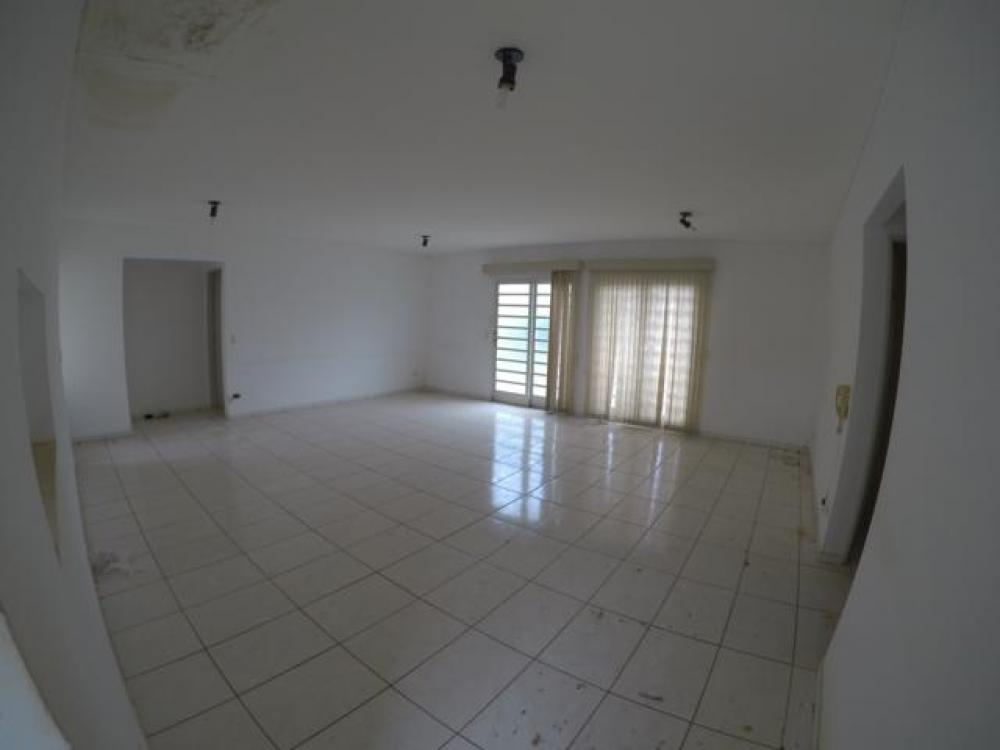 Sao Jose do Rio Preto Casa Locacao R$ 1.100,00 Condominio R$670,00 3 Dormitorios 4 Vagas Area do terreno 300.00m2 Area construida 160.00m2