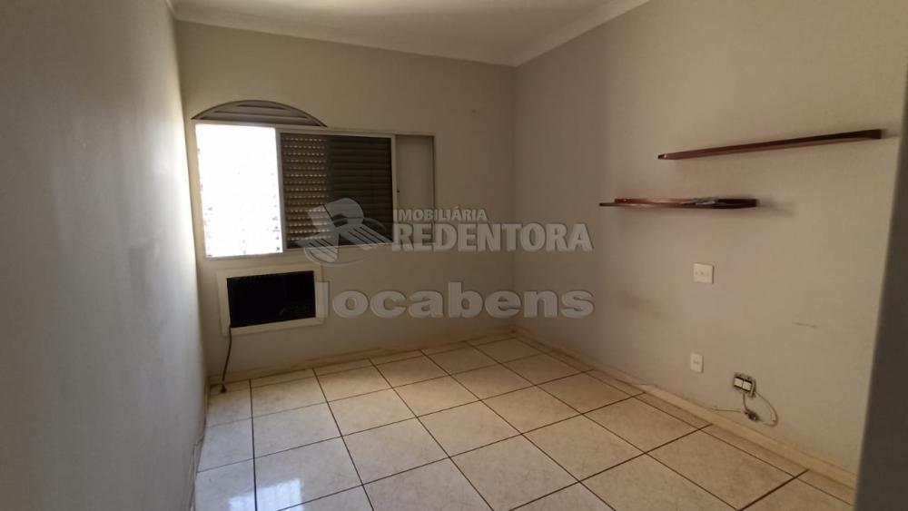 Alugar Apartamento / Padrão em São José do Rio Preto R$ 1.100,00 - Foto 15