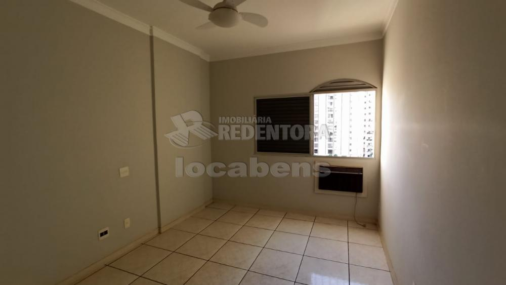 Alugar Apartamento / Padrão em São José do Rio Preto R$ 1.100,00 - Foto 16