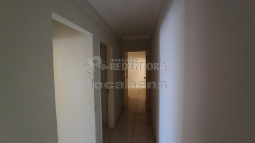 Alugar Apartamento / Padrão em São José do Rio Preto R$ 1.100,00 - Foto 17