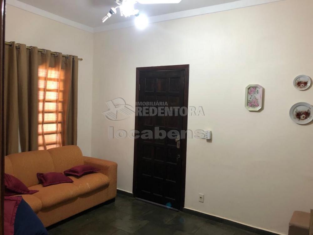 Alugar Casa / Padrão em São José do Rio Preto R$ 1.700,00 - Foto 2