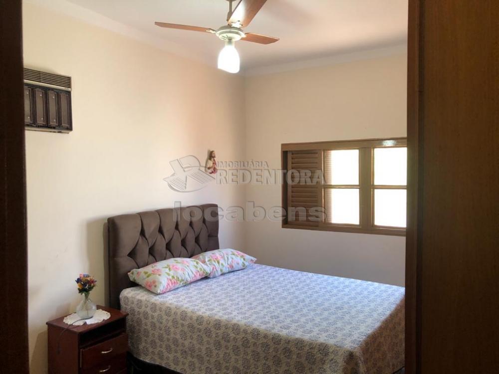 Alugar Casa / Padrão em São José do Rio Preto R$ 1.700,00 - Foto 3