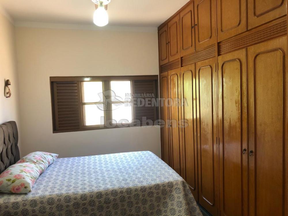 Alugar Casa / Padrão em São José do Rio Preto R$ 1.700,00 - Foto 4