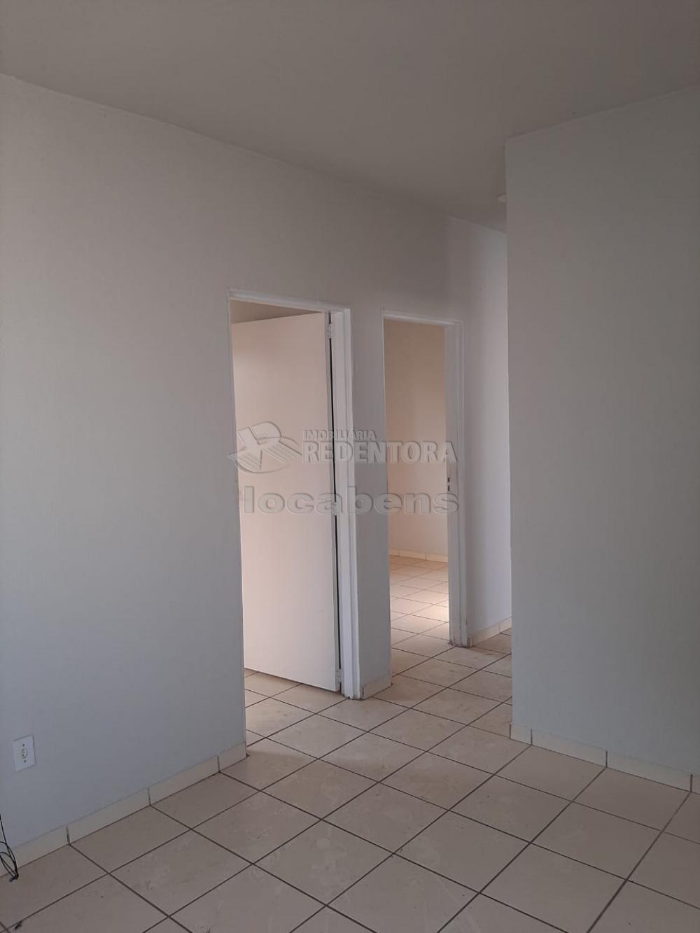 Alugar Casa / Padrão em São José do Rio Preto apenas R$ 650,00 - Foto 1