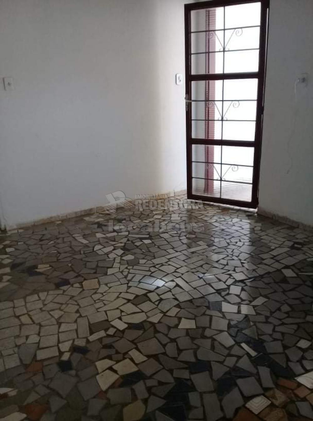 Comprar Casa / Padrão em São José do Rio Preto R$ 165.000,00 - Foto 4