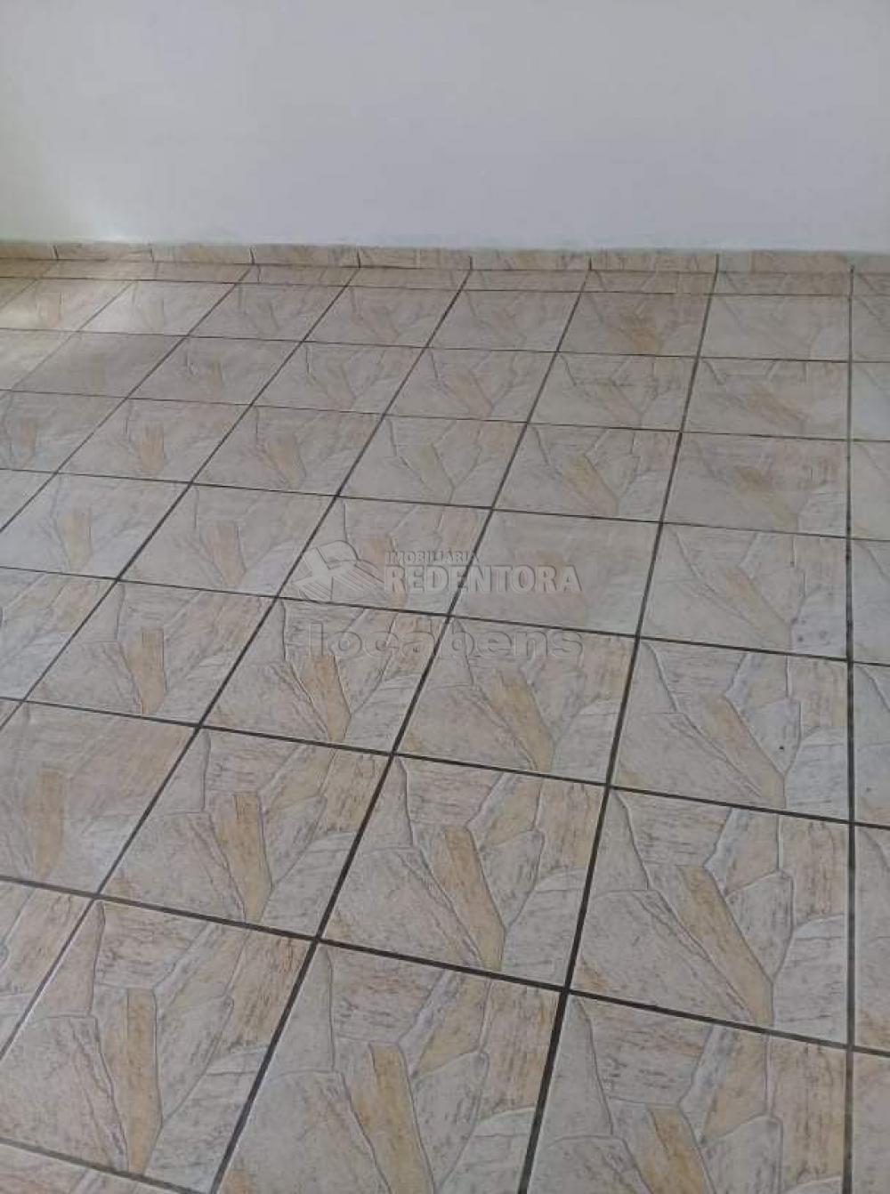 Comprar Casa / Padrão em São José do Rio Preto R$ 165.000,00 - Foto 5
