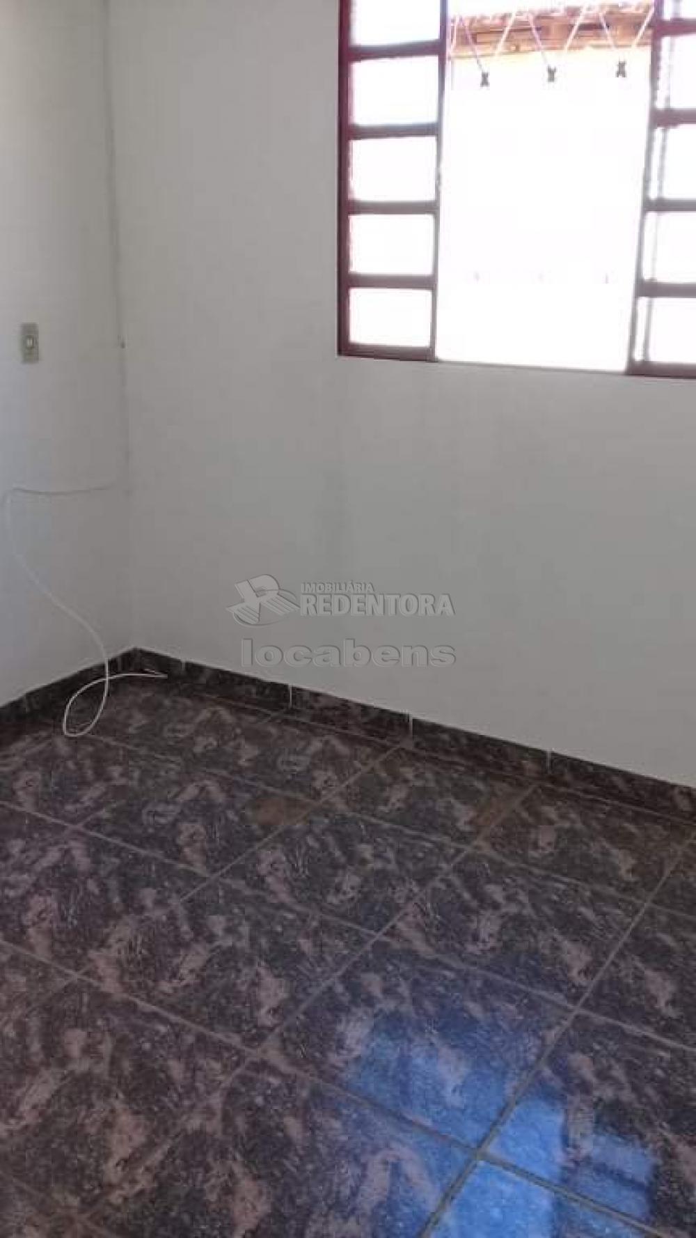 Comprar Casa / Padrão em São José do Rio Preto R$ 165.000,00 - Foto 6