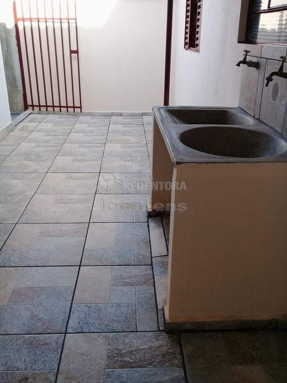 Comprar Casa / Padrão em São José do Rio Preto R$ 165.000,00 - Foto 7