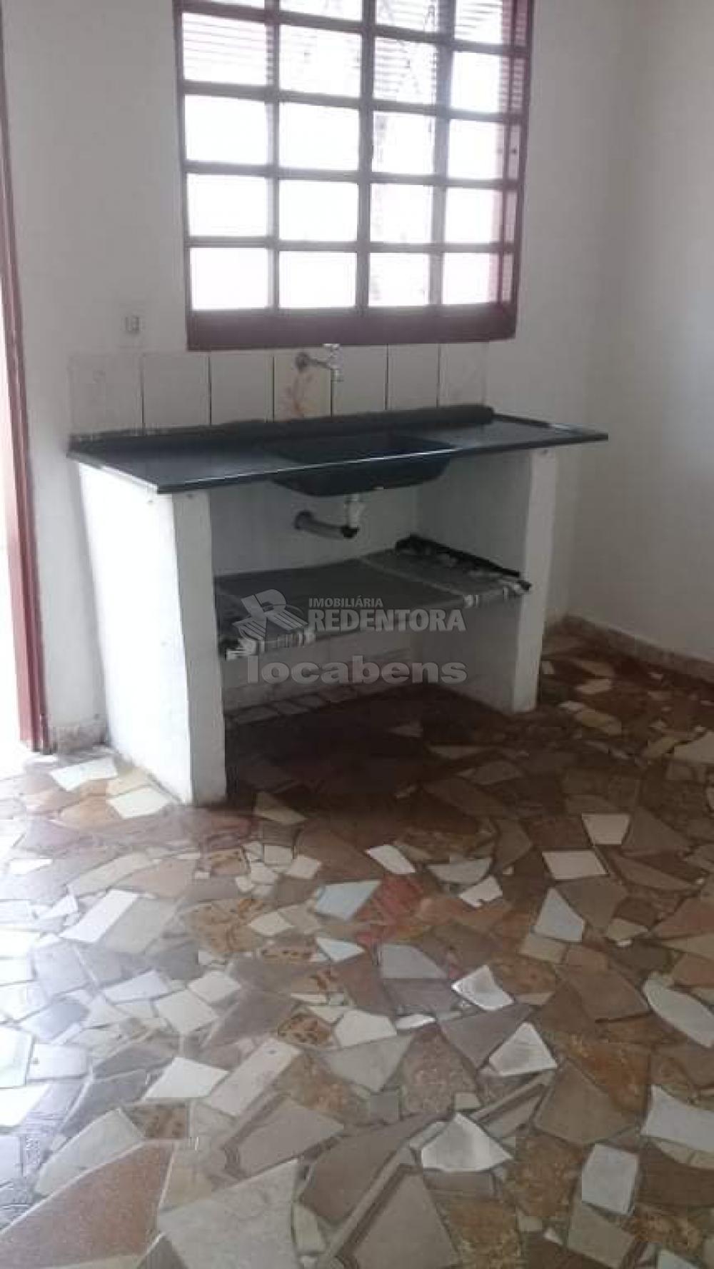 Comprar Casa / Padrão em São José do Rio Preto R$ 165.000,00 - Foto 13