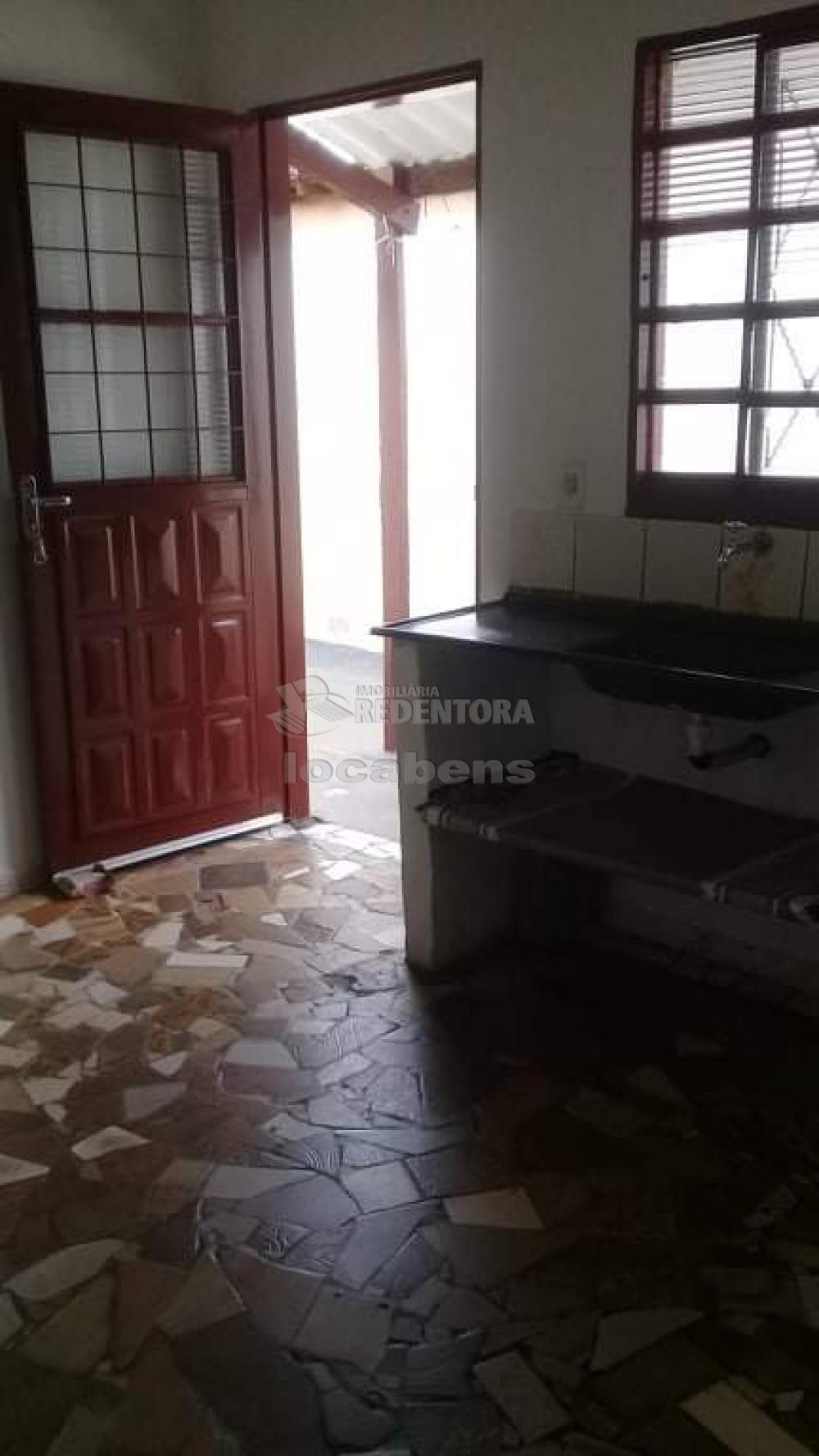 Comprar Casa / Padrão em São José do Rio Preto R$ 165.000,00 - Foto 15
