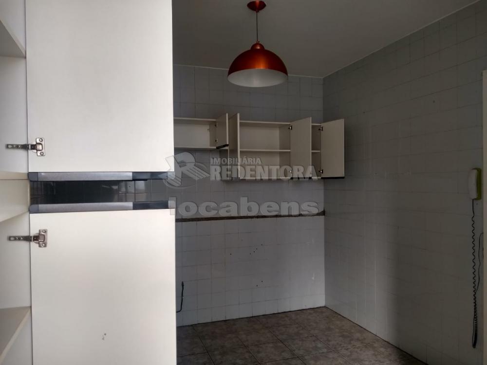 Comprar Apartamento / Padrão em São José do Rio Preto R$ 170.000,00 - Foto 3