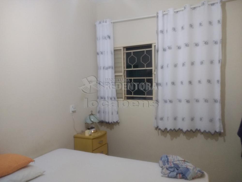 Comprar Casa / Padrão em São José do Rio Preto R$ 230.000,00 - Foto 4