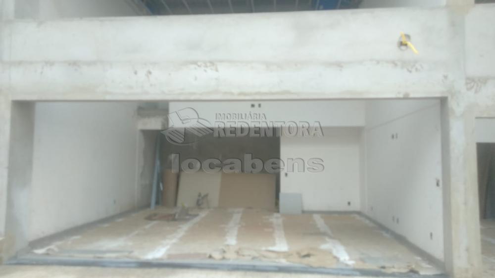 Alugar Comercial / Salão em São José do Rio Preto R$ 2.500,00 - Foto 5