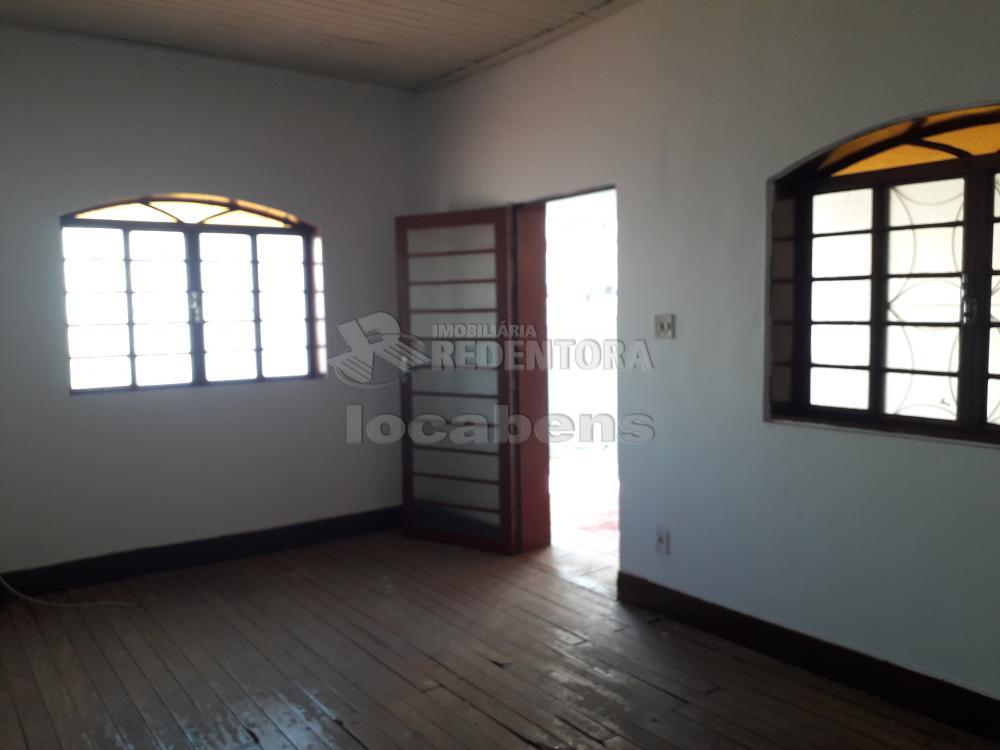 Comprar Casa / Padrão em São José do Rio Preto R$ 300.000,00 - Foto 3