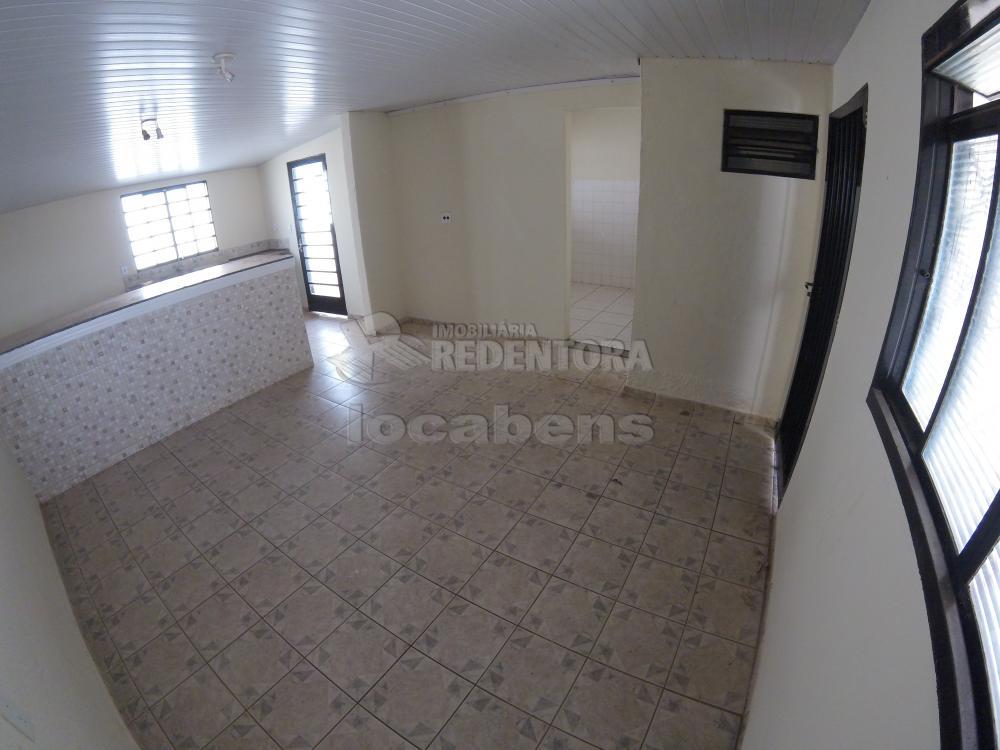 Alugar Casa / Padrão em São José do Rio Preto R$ 900,00 - Foto 5