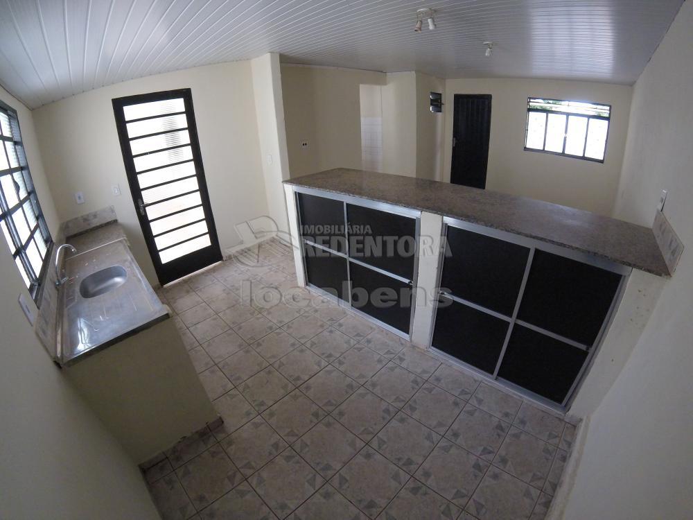 Alugar Casa / Padrão em São José do Rio Preto R$ 900,00 - Foto 7