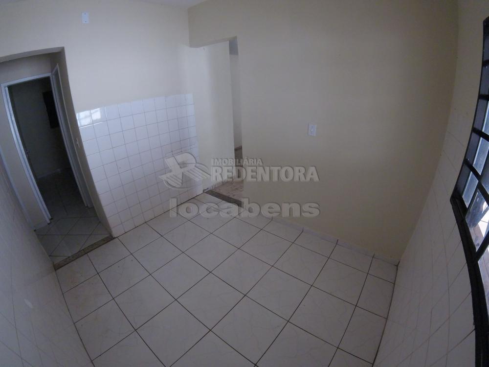 Alugar Casa / Padrão em São José do Rio Preto R$ 900,00 - Foto 10