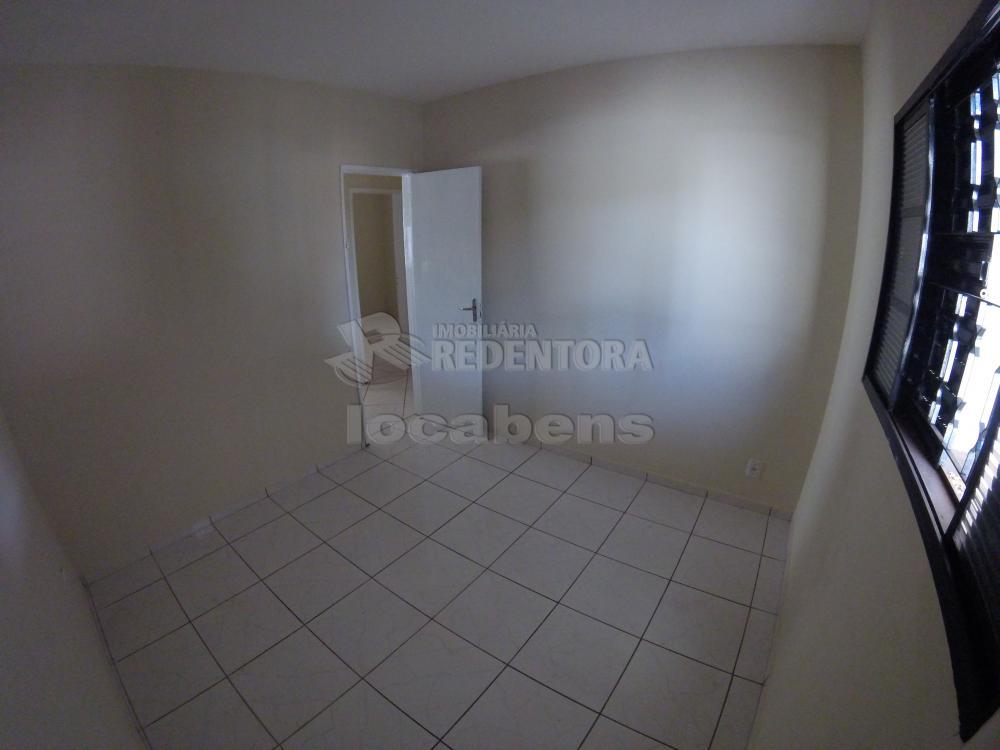Alugar Casa / Padrão em São José do Rio Preto R$ 900,00 - Foto 13