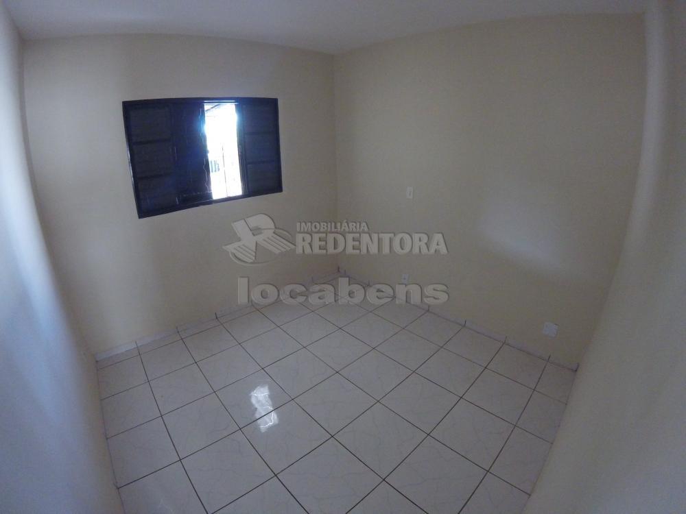 Alugar Casa / Padrão em São José do Rio Preto R$ 900,00 - Foto 14