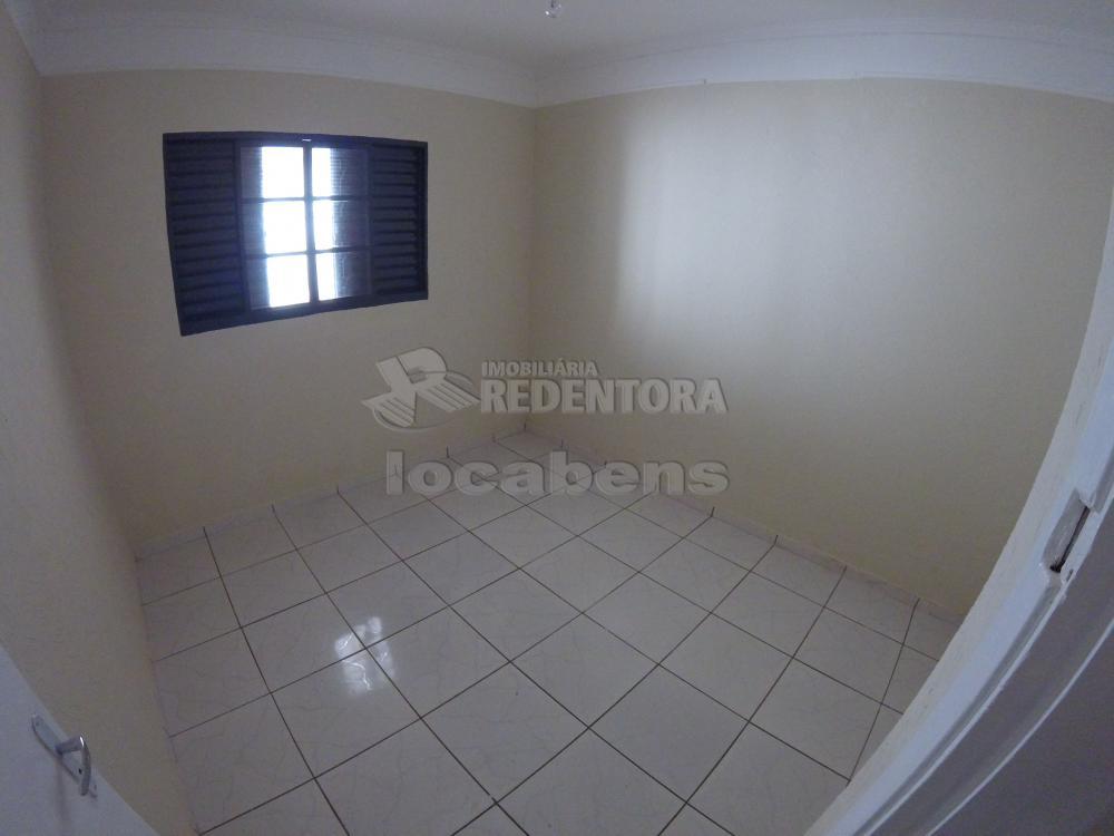 Alugar Casa / Padrão em São José do Rio Preto R$ 900,00 - Foto 18