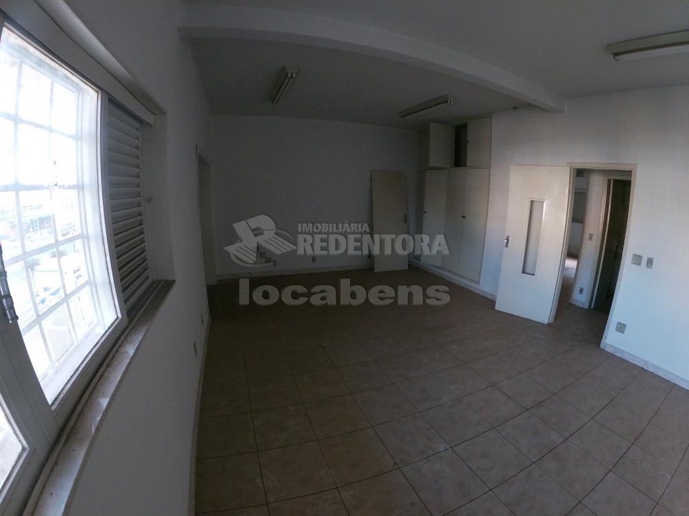 Alugar Apartamento / Padrão em São José do Rio Preto R$ 900,00 - Foto 1
