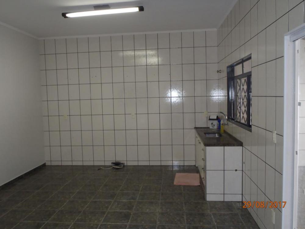 Alugar Casa / Padrão em São José do Rio Preto R$ 1.200,00 - Foto 5