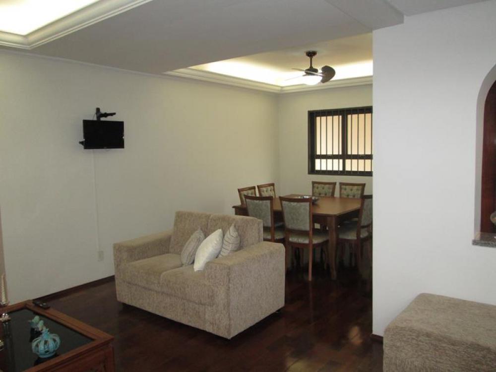 Comprar Casa / Padrão em São José do Rio Preto R$ 680.000,00 - Foto 3