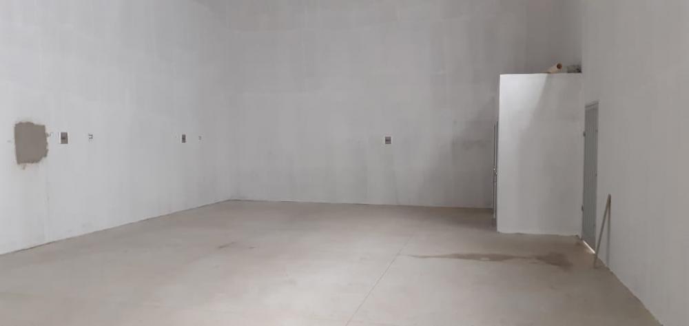 Alugar Comercial / Salão em São José do Rio Preto R$ 3.300,00 - Foto 3