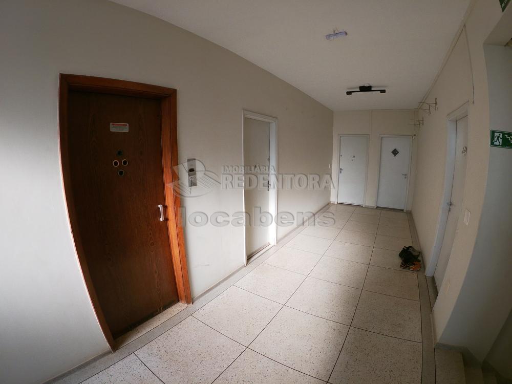 Sao Jose do Rio Preto Apartamento Locacao R$ 1.300,00 3 Dormitorios 2 Vagas Area construida 130.00m2
