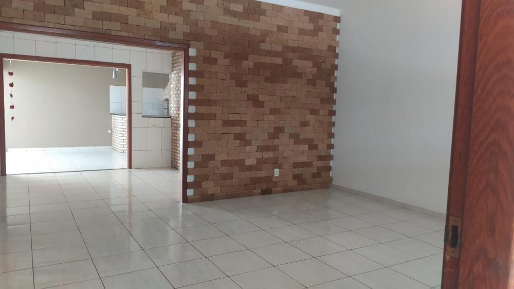 Comprar Casa / Padrão em Bady Bassitt R$ 320.000,00 - Foto 1