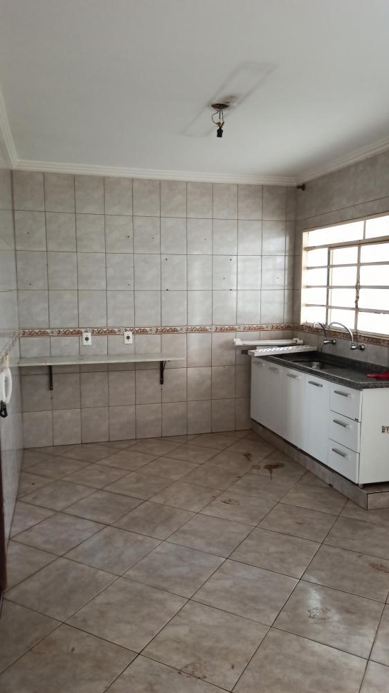 Sao Jose do Rio Preto Casa Venda R$200.000,00 4 Dormitorios 2 Vagas Area do terreno 200.00m2 Area construida 175.30m2