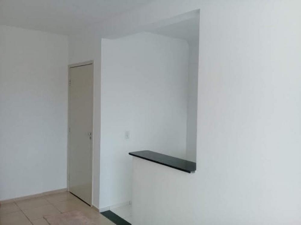 Comprar Apartamento / Padrão em São José do Rio Preto R$ 135.000,00 - Foto 2