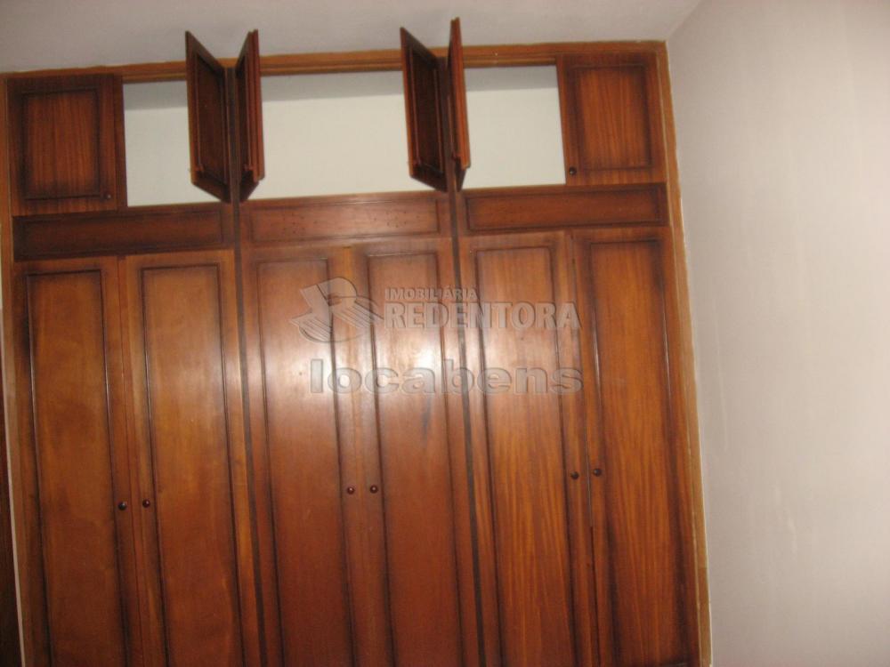 Alugar Casa / Padrão em São José do Rio Preto R$ 1.300,00 - Foto 18