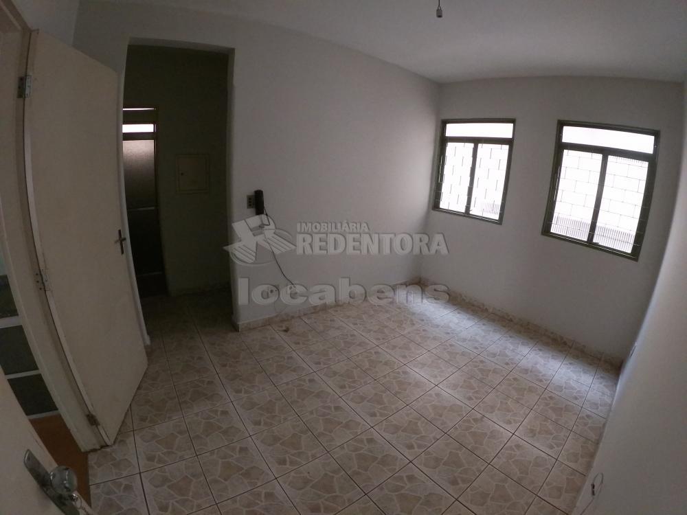 Alugar Apartamento / Padrão em São José do Rio Preto apenas R$ 450,00 - Foto 1