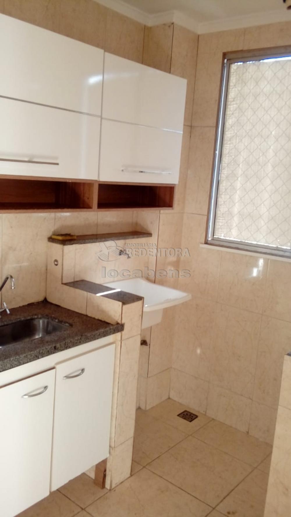 Comprar Apartamento / Padrão em São José do Rio Preto R$ 145.000,00 - Foto 12