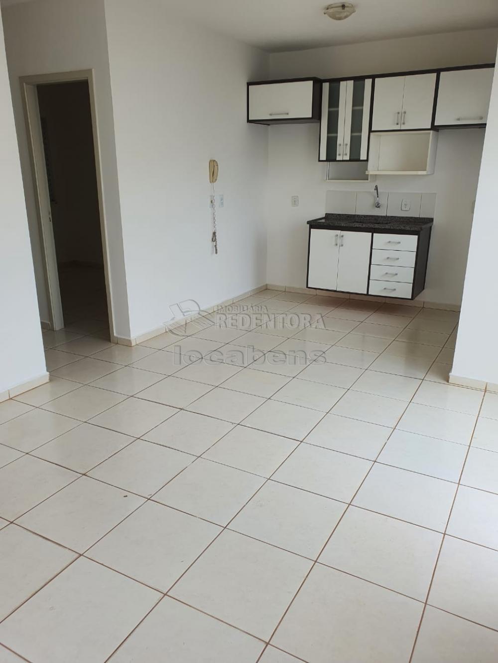Alugar Casa / Condomínio em São José do Rio Preto R$ 1.100,00 - Foto 17