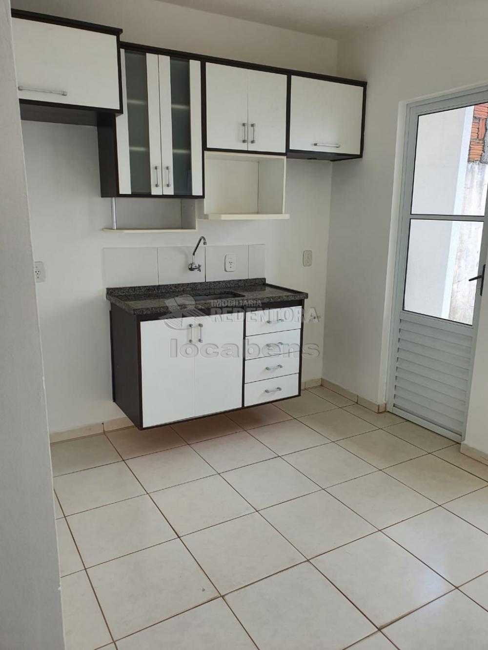 Alugar Casa / Condomínio em São José do Rio Preto R$ 1.100,00 - Foto 20