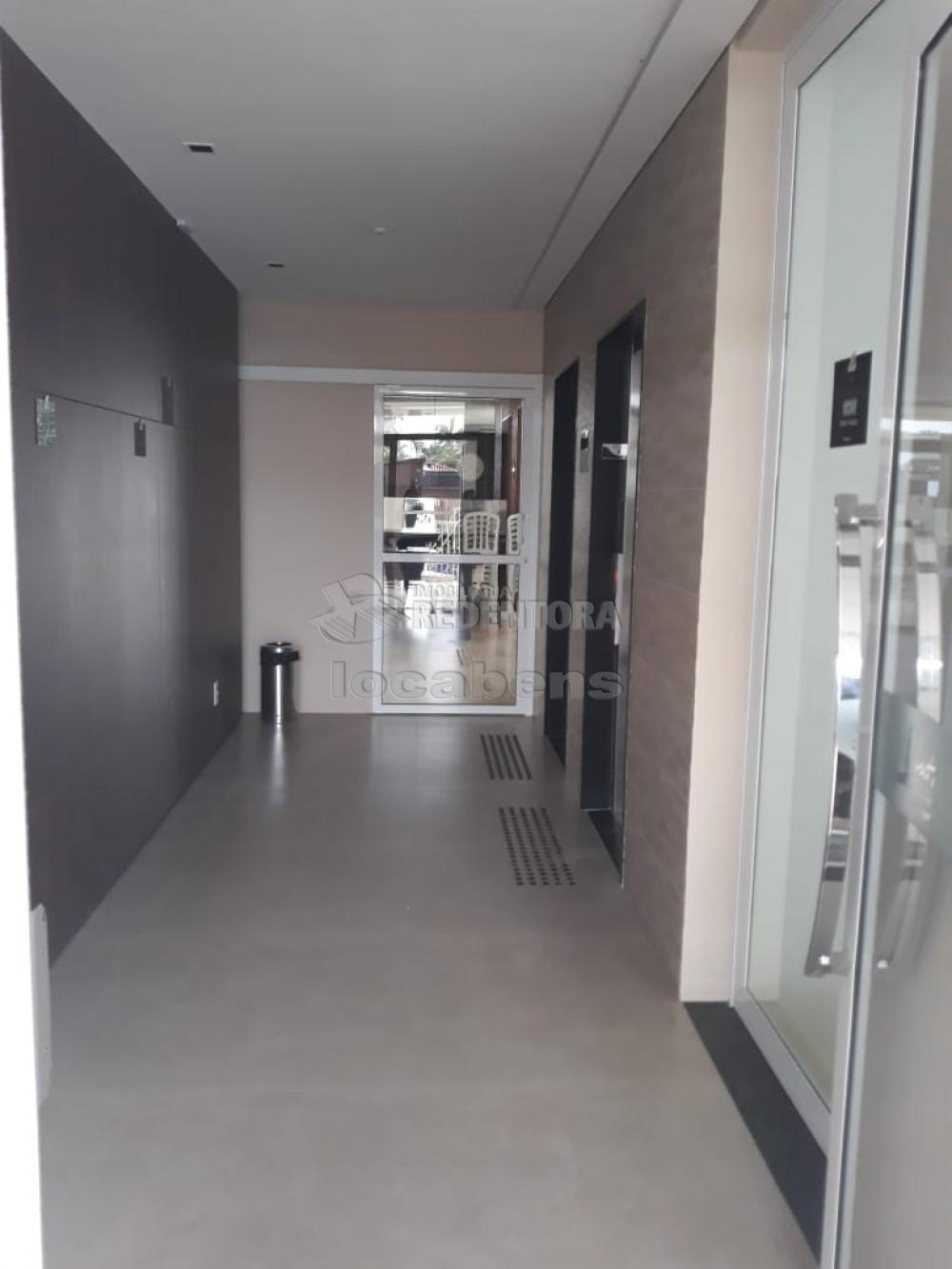 Comprar Apartamento / Padrão em São José do Rio Preto R$ 350.000,00 - Foto 12